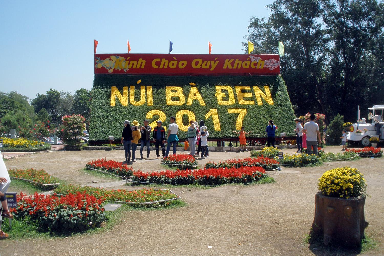 Nui Ba Den P2120981